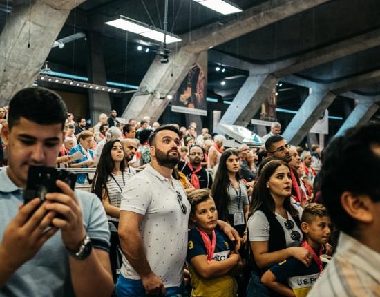 12 août 2018 : Membres de la délégation des chrétiens d'Orient lors de la messe d'ouverture du Pèlerinage National de l'Assomption en la basilique Saint PIE X, présidée par Mgr Pierre-Marie CARRE, archevêque de Montpellier. Lourdes (65).