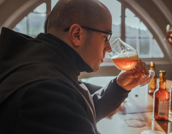 22 novembre 2016 : Atelier dégustation de bière avec frère Matthieu, frère brasseur de la bière de l'abbaye de Saint Wandrille.  Saint Wandrille Rançon (76).