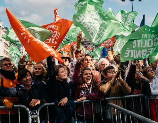 """6 octobre 2019 : Manifestation du collectif """"Marchons enfants"""" opposé à la PMA pour toutes et au projet de loi bioéthique 2020 et regroupant notamment """"La Manif pour tous, les AFC et Alliance Vita"""". Paris (75), France."""
